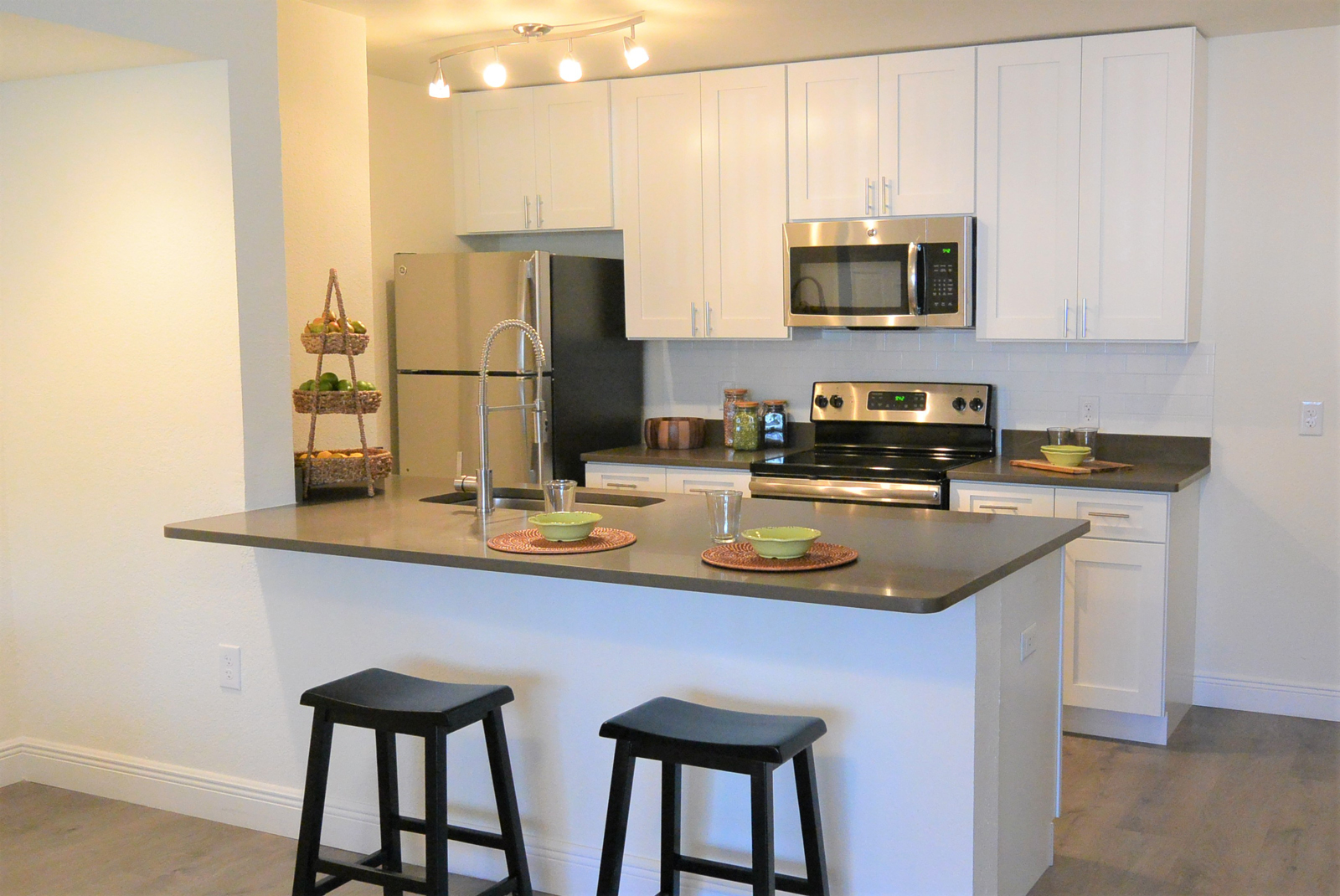 Innovo Living In Sunrise Kitchen with Stainless Appliances